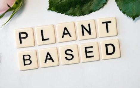 Minek nevezzelek: versenyben a növényi-alapú helyettesítő termékek